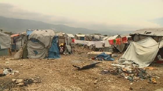 Camp de fortune installé à Port-au-Prince (Haïti)
