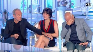 """Laurent Baffie a tenté de soulever à plusieurs reprises la robe de Nolwenn Leroy dans """"Salut les Terriens""""."""