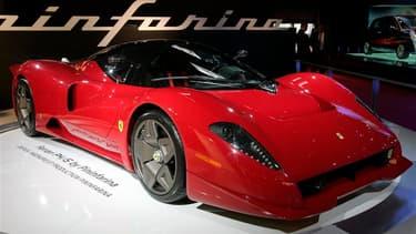 Une Ferrari P4/5, conçue par la société Pininfarina. Le designer italien Sergio Pininfarina, dont la société a dessiné la plupart des Ferrari depuis les années 1950, est décédé dans la nuit de lundi à mardi à l'âge de 85 ans à Turin. /Photo d'archives/REU