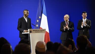 Lassana Bathily, pendant la cérémonie de naturalisation au ministère de l'Intérieur, le 20 janvier.