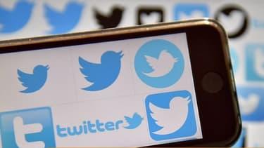Plus de dix ans après sa création, et malgré sa notoriété, Twitter cherche toujours les moyens de monétiser son audience.