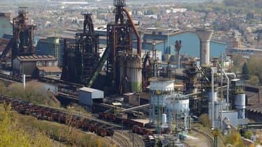 """Vue du site ArcelorMittal de Florange-Hayange, en Moselle. Le groupe socialiste à l'Assemblée nationale s'apprête à déposer une proposition de loi sur les reprises de sites industriels viables, dite """"loi Florange"""", qui prévoit aussi un dispositif contre l"""