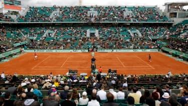 Roland-Garros pourrait bien être diffusé en partie sur une chaîne payante dès l'année prochaine.