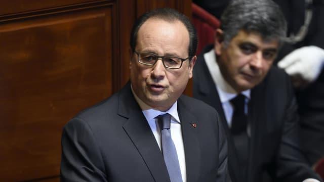 François Hollande devant le Parlement réuni en Congrès à Versailles, lundi 16 novembre 2015.