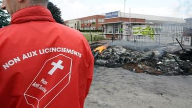 Manifestation de salariés devant l'usine Goodyear d'Amiens en 2008, alors déjà menacée par un plan social