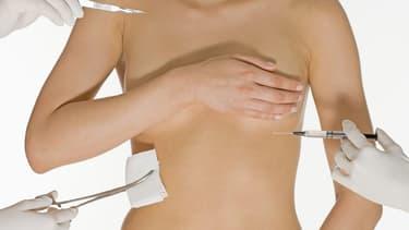 Un gel non déclaré et non conforme dans des implants mammaires...