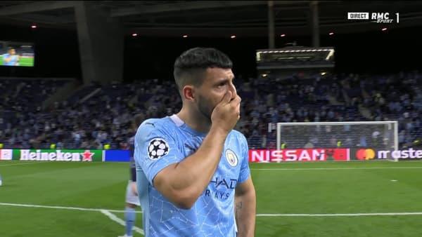 Les larmes d'Agüero après la finale perdue de Manchester City