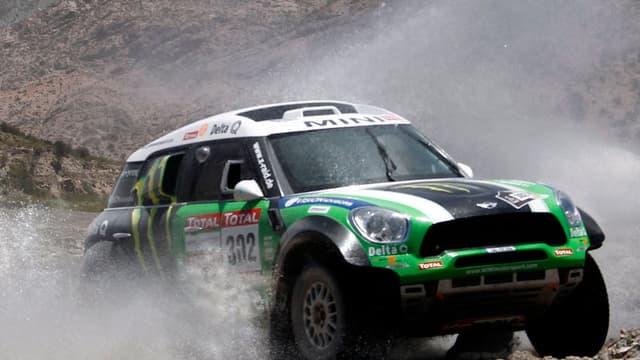 La Mini de Stéphane Peterhansel a repris la tête du classement autos