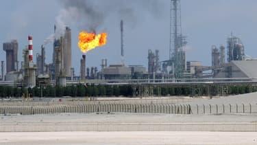 Les cours du pétrole ont perdu environ la moitié de leur valeur depuis six mois.
