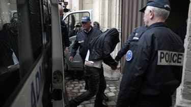 Les deux jeunes de 17 ans sont jugés devant la cour d'assises des mineurs de Rouen. Les deux plus jeunes de 16 ans seront jugés à partir du 27 mai par le tribunal pour enfants de Dieppe.