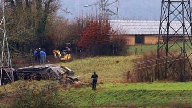 """Les gendarmes étaient à l'oeuvre depuis lundi sur ce site de l'ancienne propriété de """"l'ogre des Ardennes""""."""