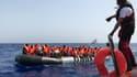SOS Méditerranée lors d'une opération de sauvetage le 9 août 2019.