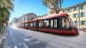 Alstoma déployé à Nice sa solution de recharge statique par le sol qui permet de charger le tramway à l'arrêt en station, en moins de 20 secondes.