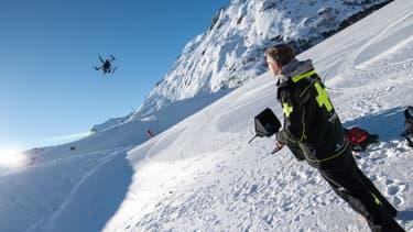 La station de Val Thorens s'est équipée d'un drone, fabriqué par DJI, destiné à mener diverses opérations de reconnaissances et d'observations.