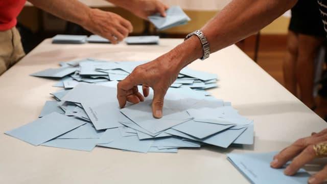 Les Français votaient dimanche pour choisir leurs 577 députés, mais sans enthousiasme au vu de la participation à ce premier tour