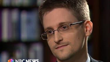 Toujours considéré comme un traître dans son propre pays, Snowden est maintenant l'un des protégés de l'UE.