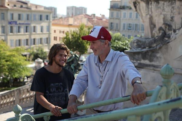 Rayane Bensetti et Thierry Lhermitte dans La Finale.