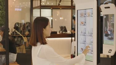 La reconnaissance faciale est testée par Alibaba dans les restaurants KFC de la ville de Hangzhou, au sud de Shanghai.