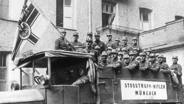 Des SS en Allemagne dans les années 30.