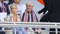 Jean-Paul Belmondo avec l'écharpe du PSG