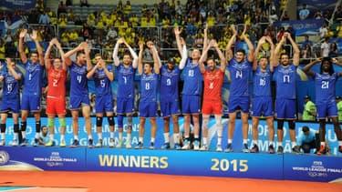 Les bleus fêtent leur titre au Brésil, le 19 juillet 2015.