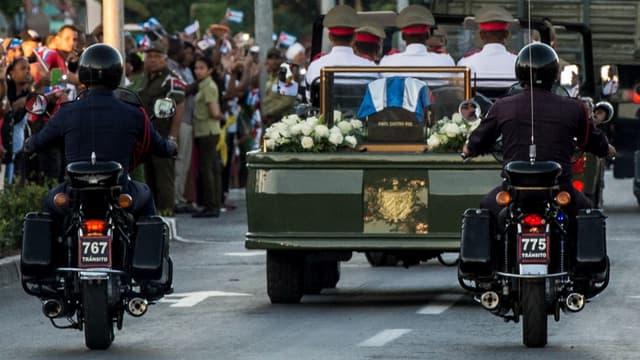 L'enterrement de Fidel Castro s'est terminé dimanche à la mi-journée, après neuf jours de deuil à Cuba.