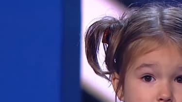"""Bella Devyatkina est passée dans l'émission nationale russe """"Personnes extraordinaires"""". Elle parle sept langues sans accent."""