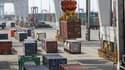 Dans le port du Havre, chaque bateau de marchandises est inspecté en cas de suspicion d'Ebola.