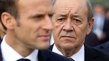 Le président Emmanuel Macron et le ministre des Affaires étrangères Jean-Yves Le Drian