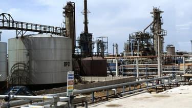 La CGT-Chimie appelle au blocage à partir de mardi et jusqu'à vendredi des raffineries.