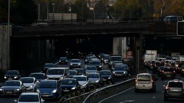 Des embouteillages en novembre dernier, porte de la Muette à Paris.