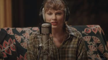 "Taylor Swift dans ""Folklore: the long pond studio sessions"", sur Disney+"