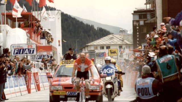 Bjarne Riis s'impose à Sestrières en 1996.