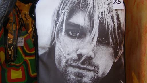 Si aujourd'hui son visage sert à faire vendre des sacs à main, Kurt Cobain, mort il y a 20 ans, a été l'icône d'une génération et l'emblème du mouvement grunge.