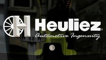 rois offres de reprise de l'équipementier automobile Heuliez, qui lutte pour sa survie, ont été déposées lundi au tribunal de commerce de Niort. /Photo prise le 13 avril 2010/REUTERS/Charles Platiau