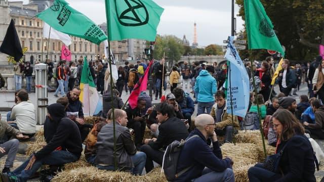 Le mouvement Extinction Rebellion, le 7 octobre 2019 à Paris.