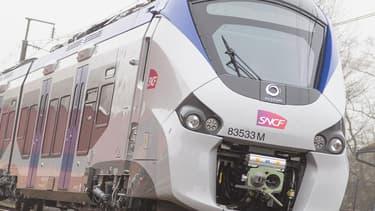 La SNCF a annoncé qu'en début d'année prochaine, un TER hybride allait circuler sur le réseau ferroviaire français.
