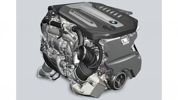 Le nouveau moteur signé M Performance affiche non plus trois turbocompresseurs mais bien quatre!