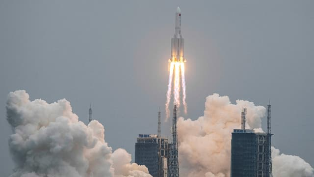 La fusée chinoise à son décollage