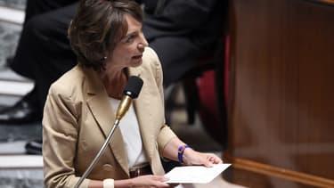 Marisol Touraine se félicite de la baisse du déficit.