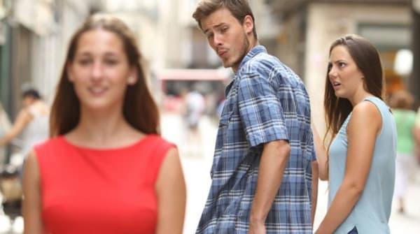 Le distracted boyfriend meme.