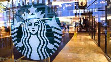 Entrée d'un café Starbucks (photo d'illustration).