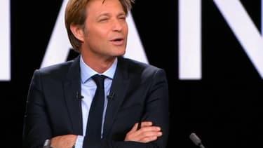 Laurent Delahousse a été surpris l'allusion de Michel Denisot à sa compagne Alice Taglioni