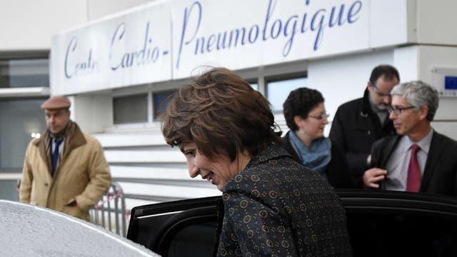 La ministre de la Santé Marisol Touraine au CHU de Rennes après le décès d'un patient dans le cadre d'un essai clinique, le 15 janvier 2016.