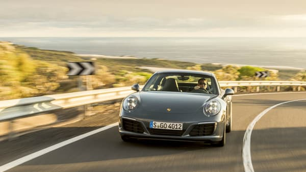 La Porsche 911 fait partie des voitures les moins prisées par les voleurs français en 2015.