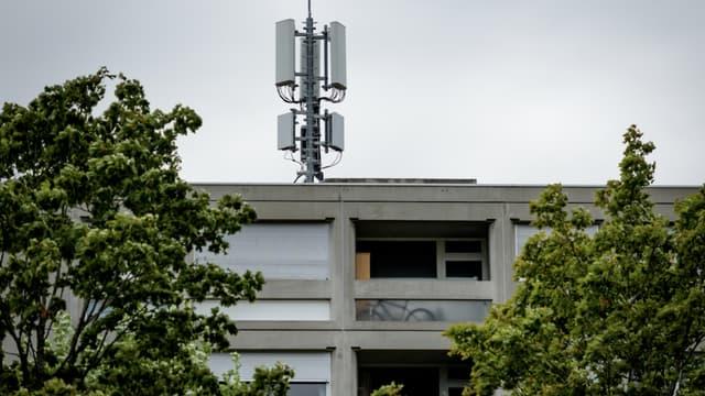 Des antennes 5G ont été incendiées au Royaume-Uni et aux Pays-Bas.