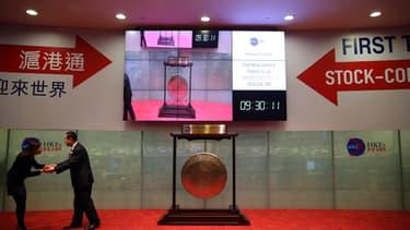 """L'ouverture en novembre dernier du """"Connect"""", qui relie désormais les bourses de Shanghai et Hong Kong, aura été l'un des facteurs-clés de la fièvre acheteuse qui entoure les marchés chinois"""