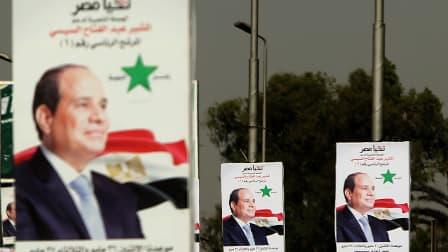 Des affiches du candidat favori à la présidentielle, le maréchal Abdel Fattah al-Sissi, le 25 mai 2014 au Caire.