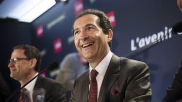 Le magnat français des télécoms ne fera pas de contre-offre pour ravir Time Warner Cable à son rival américain Charter Communications