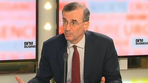 François Villeroy de Galhau attend que les signes de reprise se confirme.